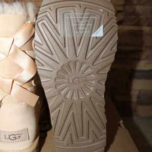 UGG Shoes - UGG BAILEY BOW II SUEDE SHEARLING BOOTS NEW 7